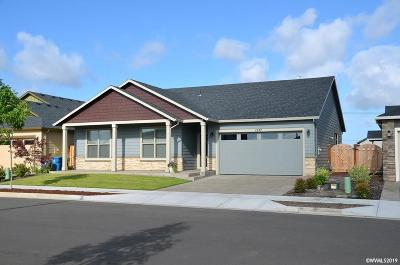 Woodburn Single Family Home For Sale: 1227 Autumn Bl