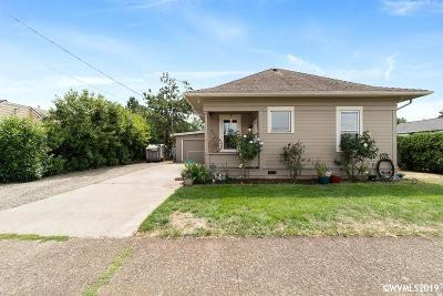 Dallas Single Family Home For Sale: 667 SE Ash St