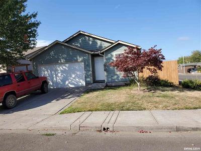 Salem Single Family Home For Sale: 903 Hawaii St