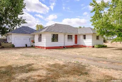 Albany Single Family Home For Sale: 5822 Santiam Hwy