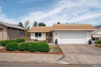 Salem Single Family Home For Sale: 2976 Twin Oak Pl