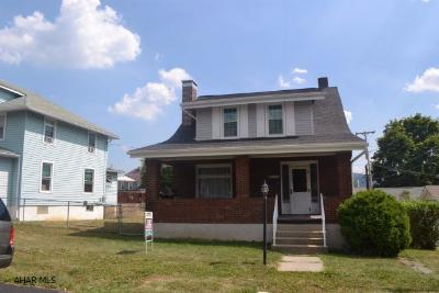 Single Family Home Sold: 308 N 11th Avenue