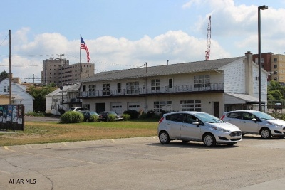 Altoona Commercial For Sale: 3101 Pleasant Valley Blvd