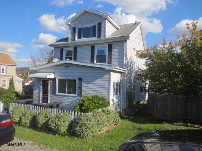Altoona Single Family Home For Sale: 517-19 E Crawford Avenue
