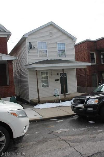 Altoona Single Family Home For Sale: 1221 17th Ave