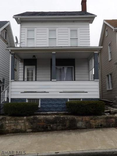 Altoona Single Family Home For Sale: 813 1st Ave