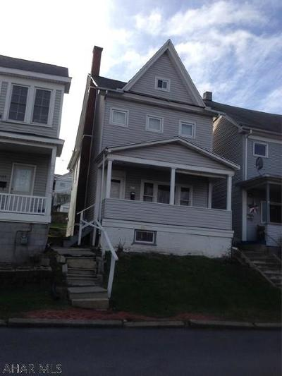 Altoona Single Family Home For Sale: 2111 3rd Avenue