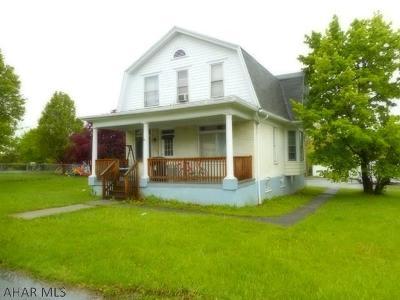 Altoona Single Family Home For Sale: 4000 5th Avenue
