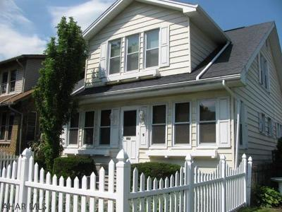 Altoona Single Family Home For Sale: 904 Broadway