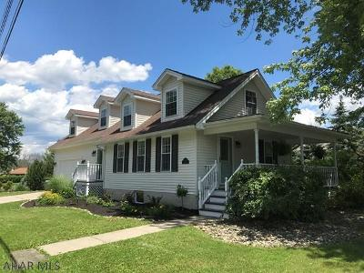 Hollidaysburg Single Family Home For Sale: 1108 Hedge Street