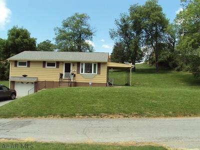 Altoona Single Family Home For Sale: 722 East Hartzell Ave