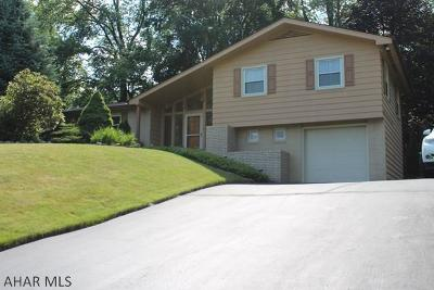 Altoona Single Family Home For Sale: 502 Beaumont Drive