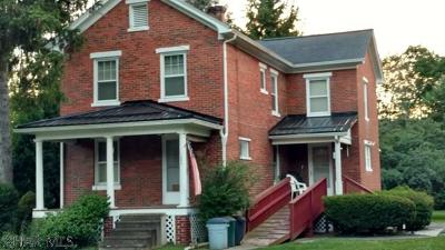 Claysburg Single Family Home For Sale: 1083 Bedford St.