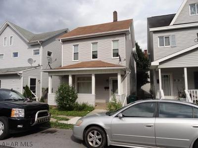 Altoona Single Family Home For Sale: 2321 W Chestnut Ave.