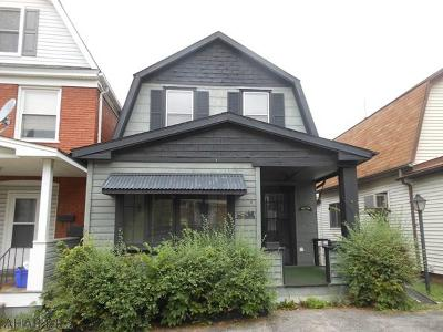 Altoona Single Family Home For Sale: 206 Spruce Avenue