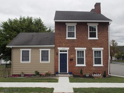 Hollidaysburg, Duncansville Single Family Home For Sale: 704 Mulberry St.