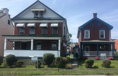 Hollidaysburg Single Family Home For Sale: 211-213 Mulberry Street