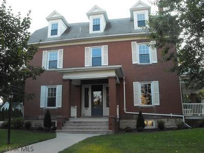 Single Family Home For Sale: 320 S Richard Street