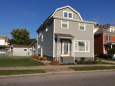 Tyrone Single Family Home For Sale: 1605 Adams Avenue