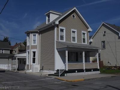 Tyrone Single Family Home For Sale: 1451 Bald Eagle Avenue