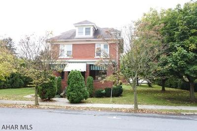 Hollidaysburg Single Family Home For Sale: 311 Beaver St