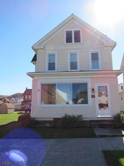 Blair County Single Family Home For Sale: 415 W 17th St