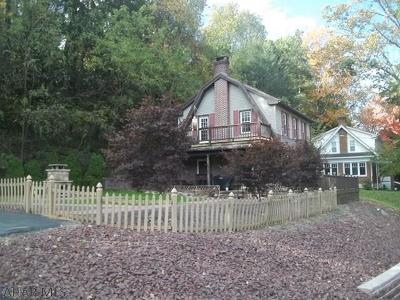 Altoona Single Family Home For Sale: 200 Ruskin Drive