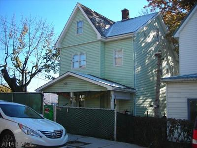 Altoona Single Family Home For Sale: 1201-03 17th Ave
