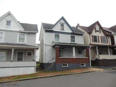 Altoona Single Family Home For Sale: 103 2nd Ave.
