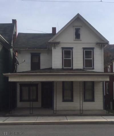 Tyrone Single Family Home For Sale: 720 Washington