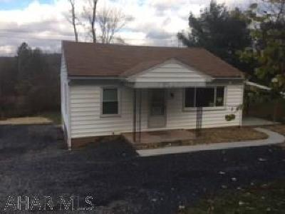 Hollidaysburg, Duncansville Single Family Home For Sale: 675 Reservoir Rd.