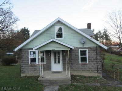 Single Family Home Sold: 314 Maple Hollow Road