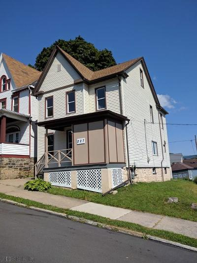 Altoona Single Family Home For Sale: 227 Cherry Ave.