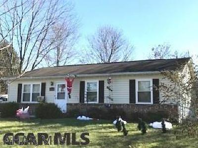 Single Family Home For Sale: 156 Kuhns Lane