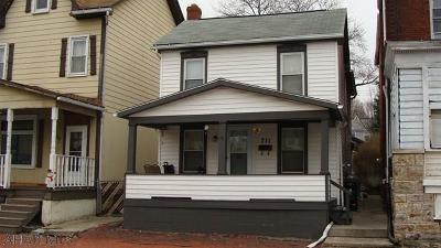 Altoona Single Family Home For Sale: 711 5th Avenue