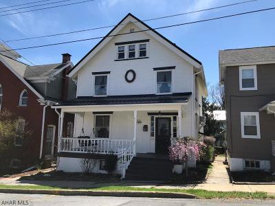 Hollidaysburg Single Family Home For Sale: 530 Pine Street