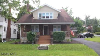 Altoona Single Family Home For Sale: 209 Orchard Ave