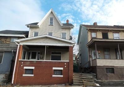Altoona Single Family Home For Sale: 325 1st Avenue