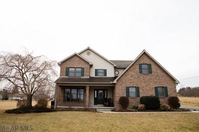 Single Family Home For Sale: 140 Bradford Lane