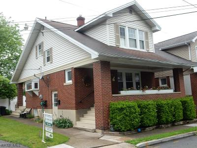 Hollidaysburg Single Family Home For Sale: 809 Edgar Street