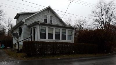 Hollidaysburg Single Family Home For Sale: 719 White St