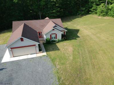 Single Family Home For Sale: 6033 Blue Jay Acres Lane