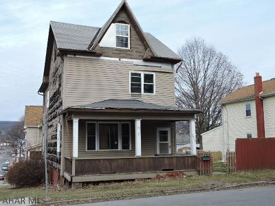 Altoona Single Family Home For Sale: 2210 4 Avenue