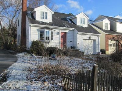 Hollidaysburg Single Family Home For Sale: 1203 Allegheny Street
