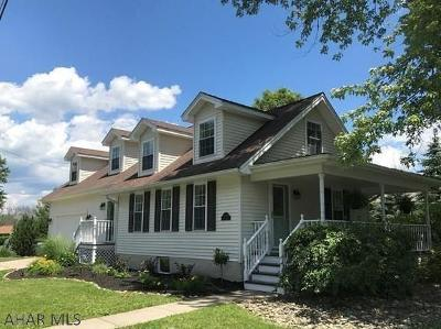 Hollidaysburg Single Family Home For Sale: 1108 Hedge St