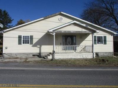 Martinsburg, Roaring Spring, East Freedom, New Enterprise, Woodbury Single Family Home For Sale: 179 Main St