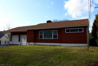 Roaring Spring Single Family Home For Sale: 909 E Main Street