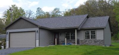 Altoona Single Family Home For Sale: 1745 Princeton Rd.