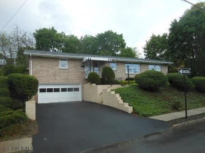 Hollidaysburg, Duncansville Single Family Home For Sale: 514 Garber Street