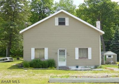 Blair County Single Family Home For Sale: 4946 Colonel Drake Hwy